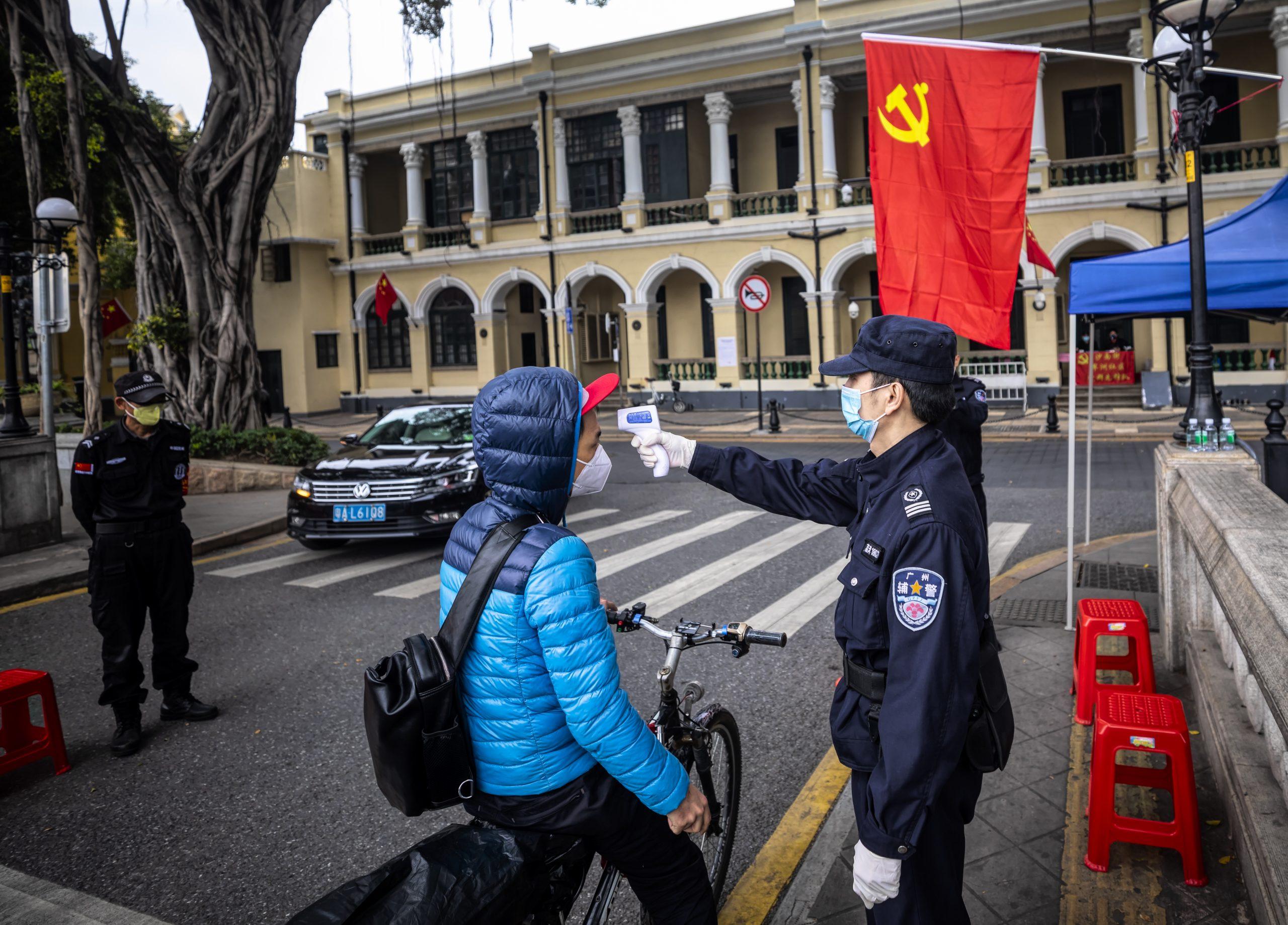 PRETILI JOJ: Pobegla iz Kine u SAD da otkrije tajnu o Koroni 5