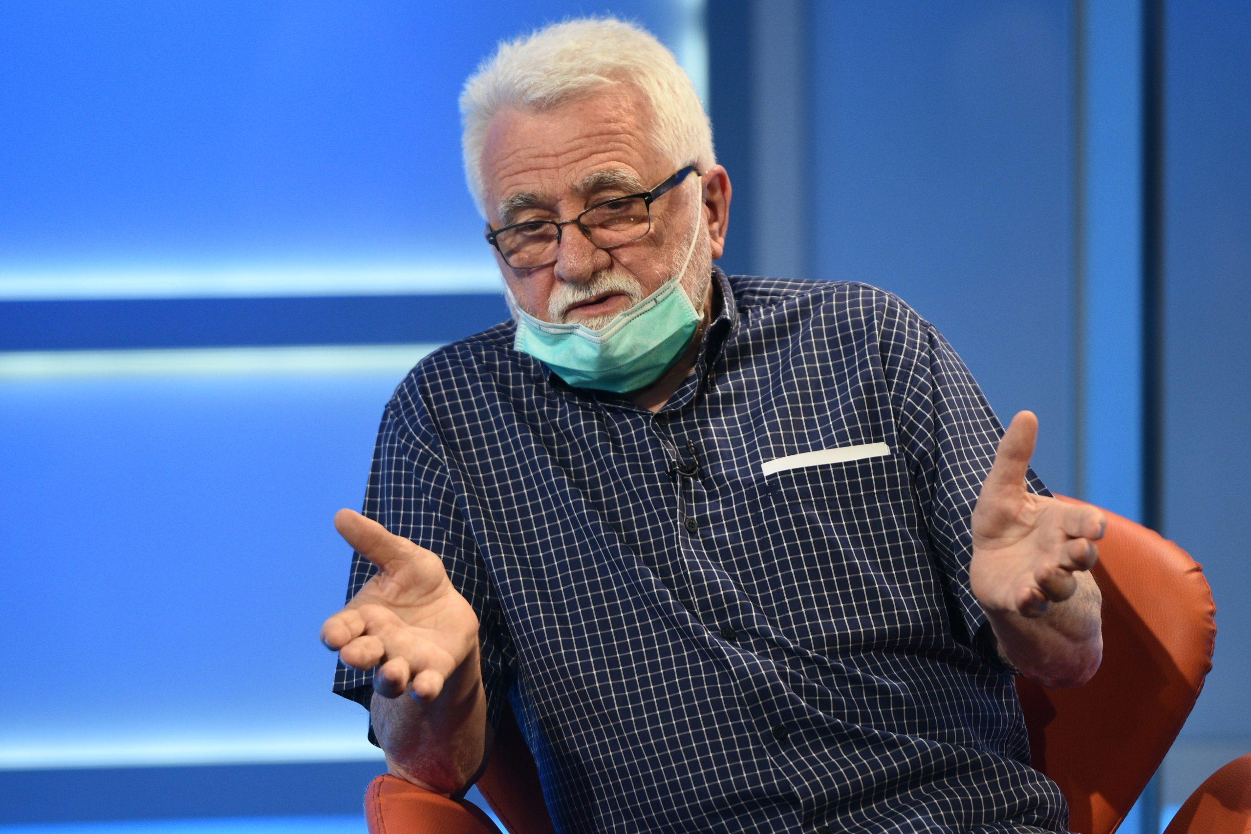 STRANI PLAĆENICI PANIČE: Srbi su se digli protiv vakcina! Krive im TEORIJE ZAVERE! 1
