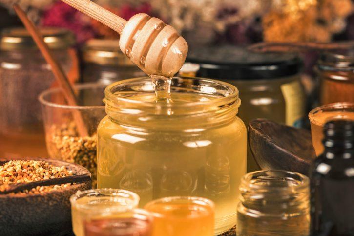 kojom kašikom jesti med
