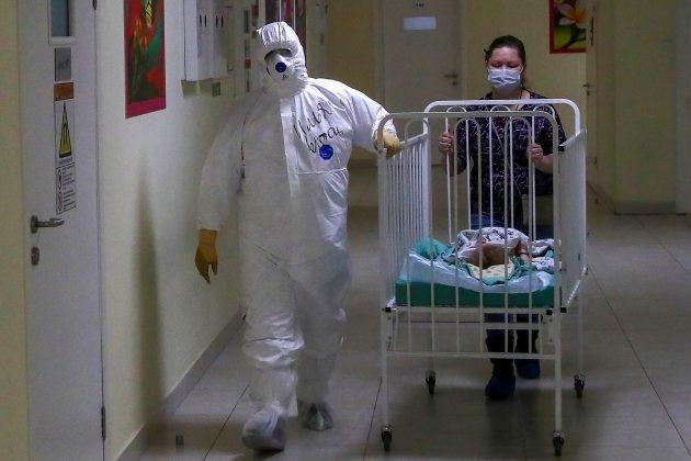 bebe i koronavirus