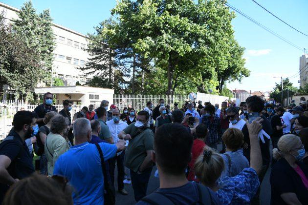 Protest ispred Centralnog zatvora povodom uhapšenih studenata