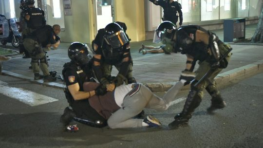 policija nasilje protest