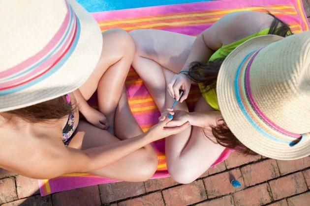nokti; leto; plaža