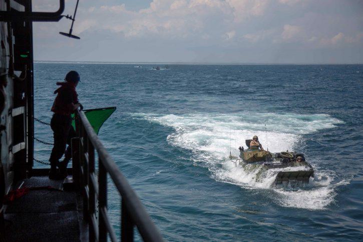 Amfibija, marinci