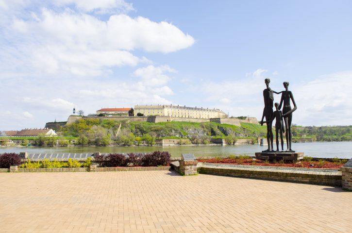 Spomenik zrtvama racije u Novom Sadu