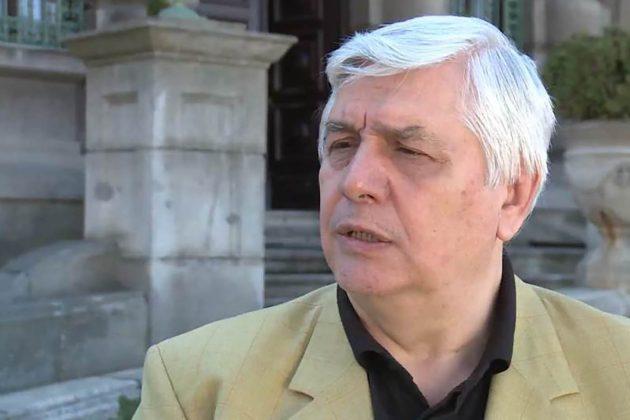 Epidemiolog Branislav Tiodorović daje izjavu za medije