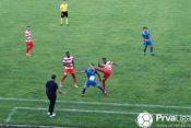 Fudbaler Borca Rašid Abdul Obubi nogom je nokautirao igrača Jagodine Andriju Milića