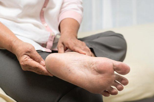 domaći piling za stopala