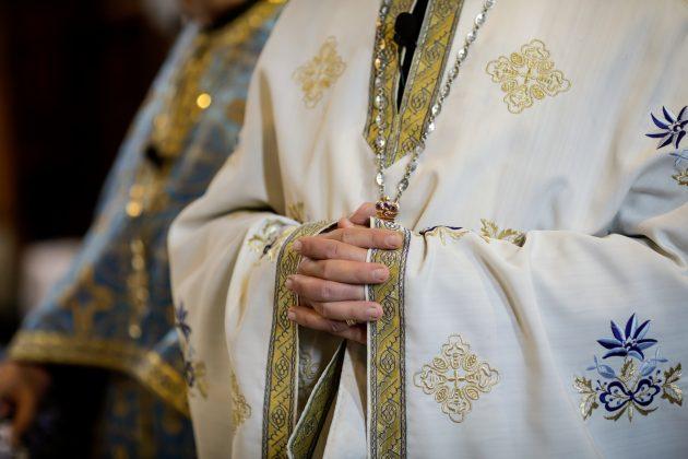 sveštenik pravoslavni