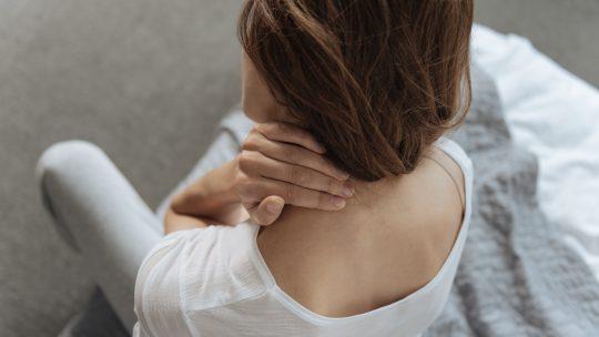 vežbe za vrat i ramena
