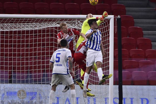 Milan Borjan podizao je klonule igrače Tirane posle trijumfa Crvene zvezde za plasman u 3. kolo kvalifikacija za Ligu šampiona