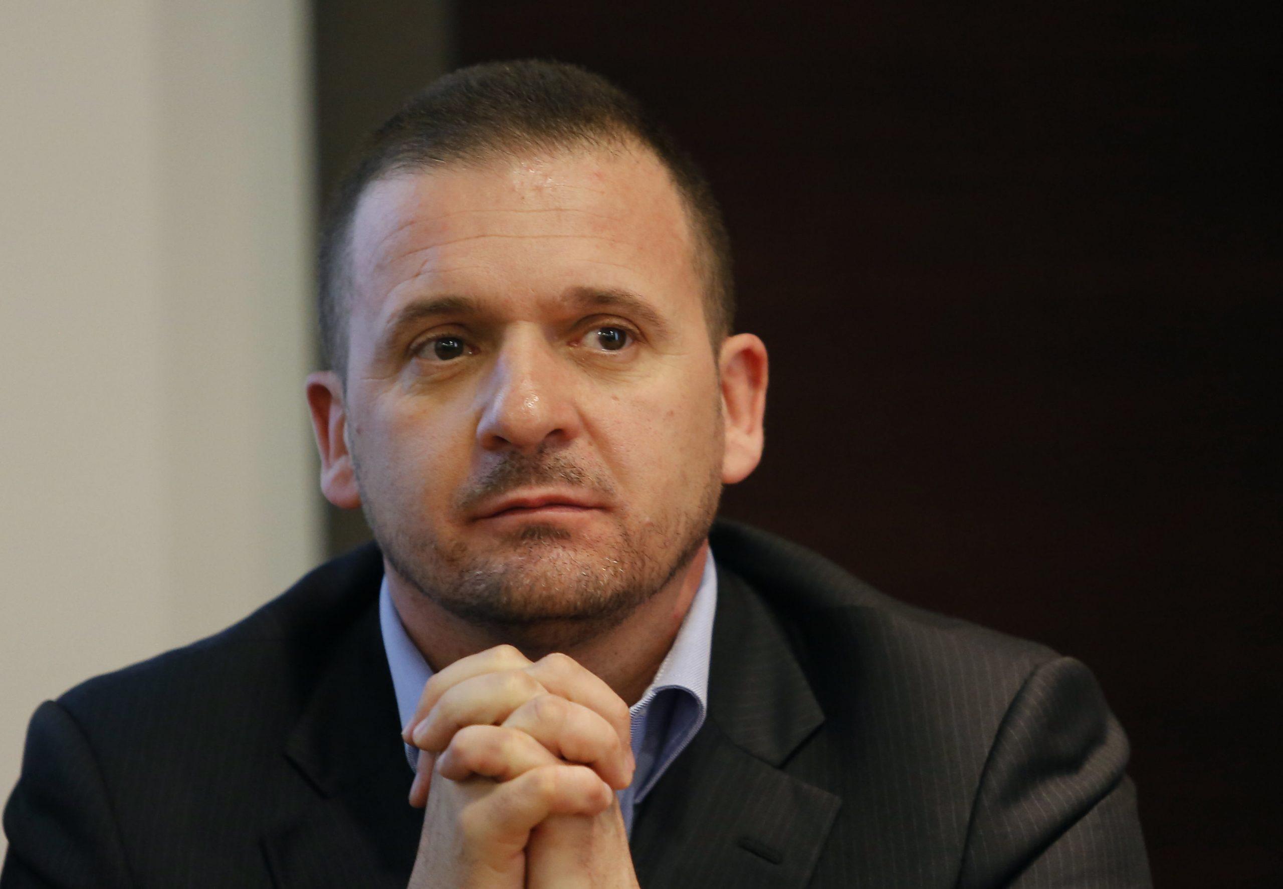 Predrag Mijatović zamišljeno gleda
