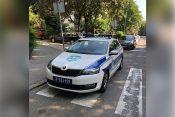 Nepropisno parkirana policijska vozila