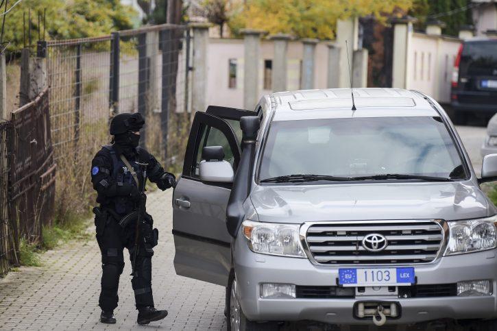 Na KiM privođenja zbog napada i oružja u ilegalnom posedu