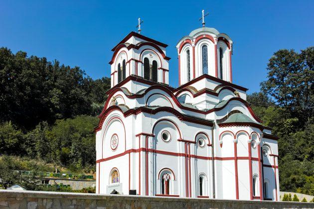 Opljačkan manastir: Lopovi odneli novac iz kasica kod ikona