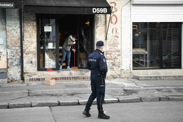 Bomba bačena na kafić u Dobračinoj ulici na Dorćolu FOTO: Vesna Lalić