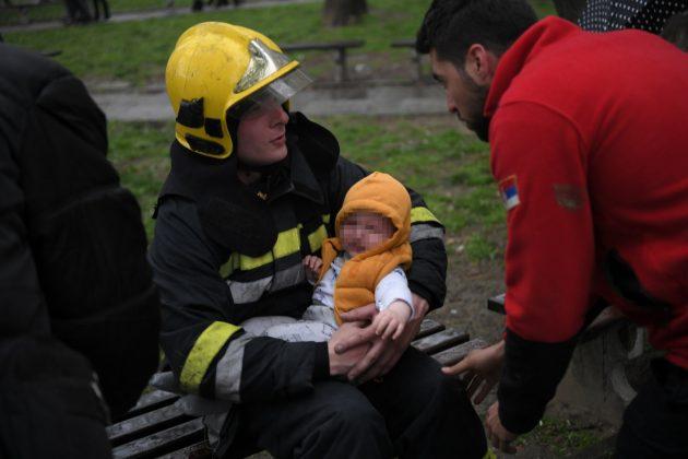 Požar, Novi Beograd, beba