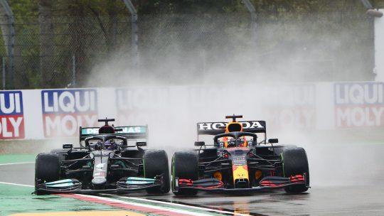 Verstapen pobeđuje Hamiltona na stazi Imola