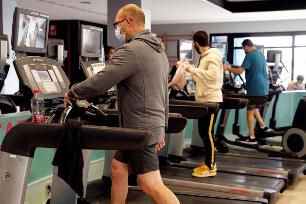 teretana; vežbanje; fitnes
