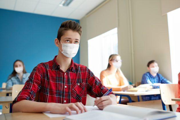đaci, srednjoškolci, tinejdžeri, učenici, srednja škola, maske, maska