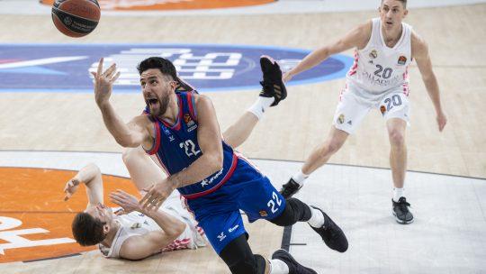 vasilije micić povreda efes real madrid prva utakmica top 8 evrolige