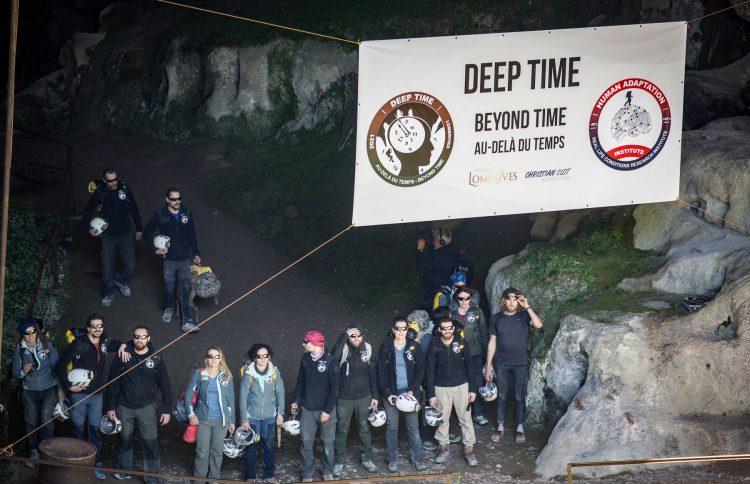 Francuska, pećina, dobrovoljci