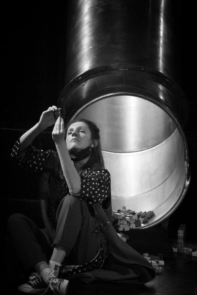 Kamerni teatar 55, predstava Šindlerov lift