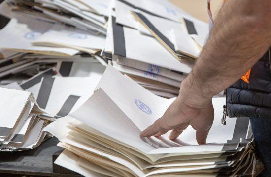 Albanija izbori brojanje glasova
