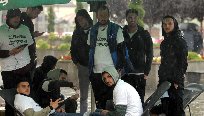 Fudbaleri Borca iz čačka štrajkuju glađu