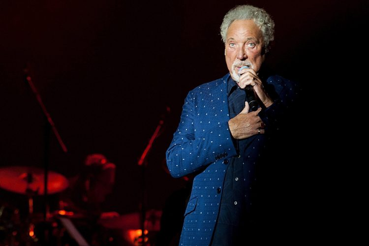 Tom Jones Tom Dzons