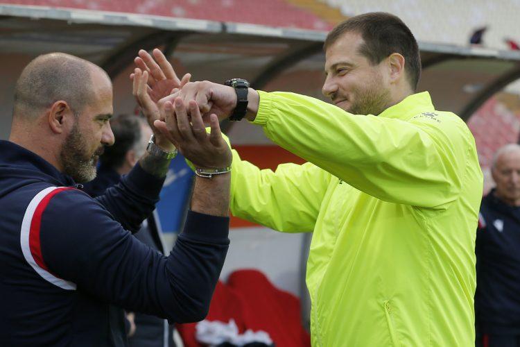 Dejan Stanković i Nenad Lalatović zagrljeni