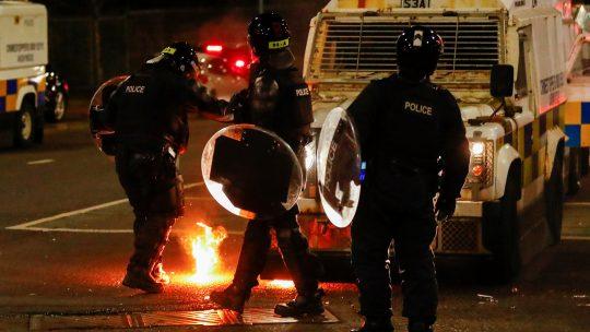 Belfast, protest, policija