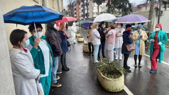 Kraljevo protest ispred bolnice