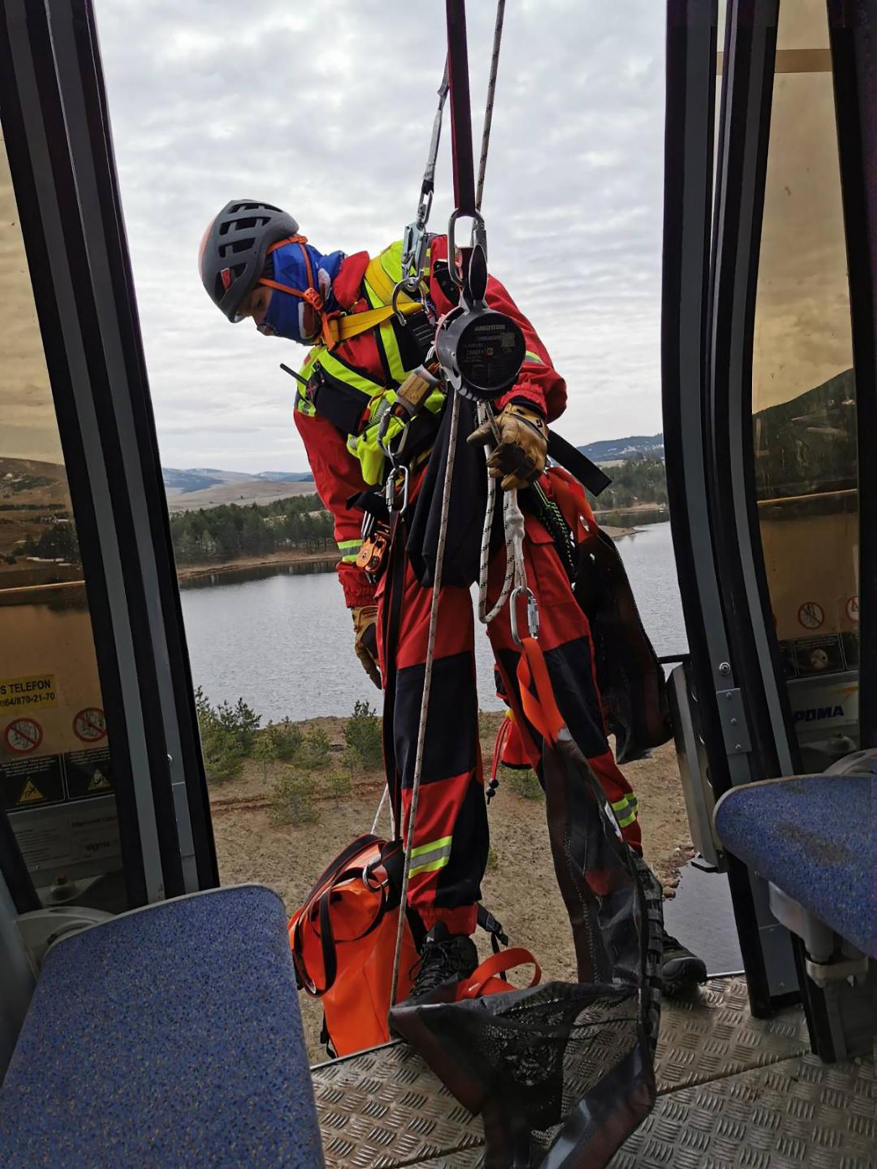 Gondola, Gorska služba spasavanja