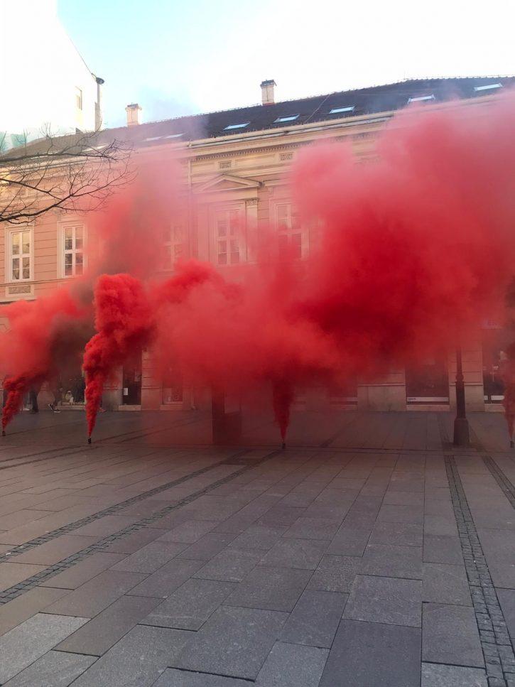 Dimna bomba, Knez Mihailova, policija