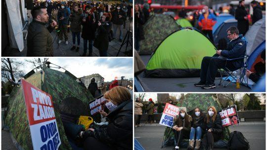 Protest, frilenseri, Skupština Srbije, šatori