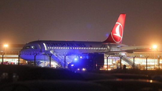 Turkiserlajnz avion na aerodromu u Varsava
