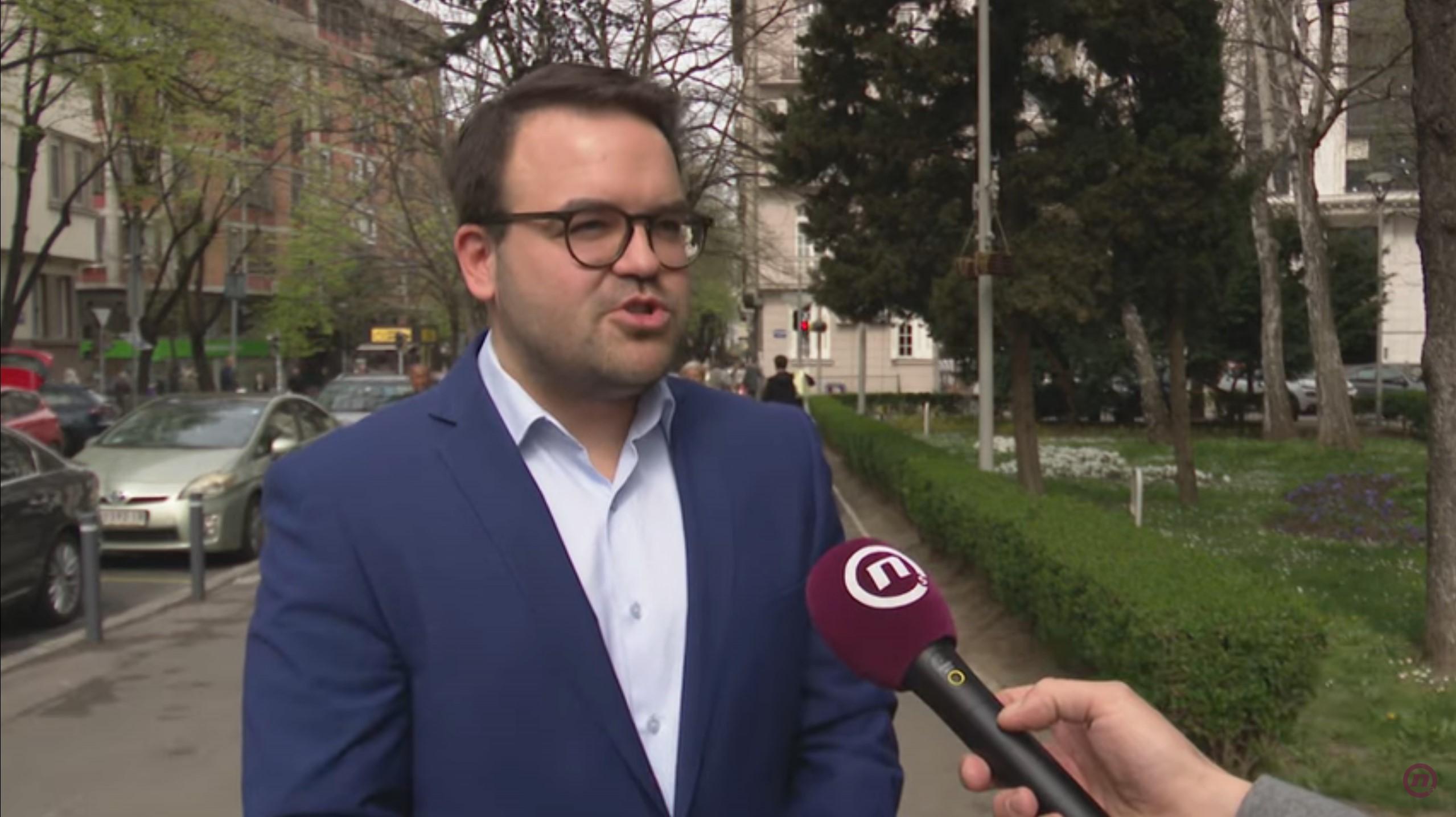 Stefan Jovanović, Među nama, Medju nama