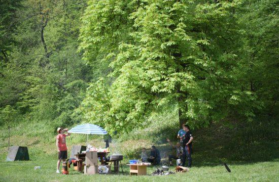 Prvomajski uranak, Prvi maj, roštilj