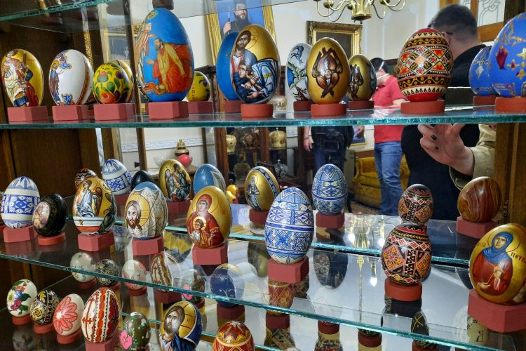 Kragujevac, Uskršnja jaja, izložba, Eparhija šumadijska