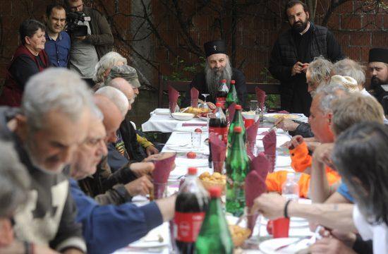 Patrijarh Porfirije, beskućnici, crkvena narodna kuhinja