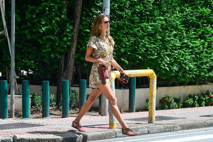 Alesandra Ambrosio; sandale