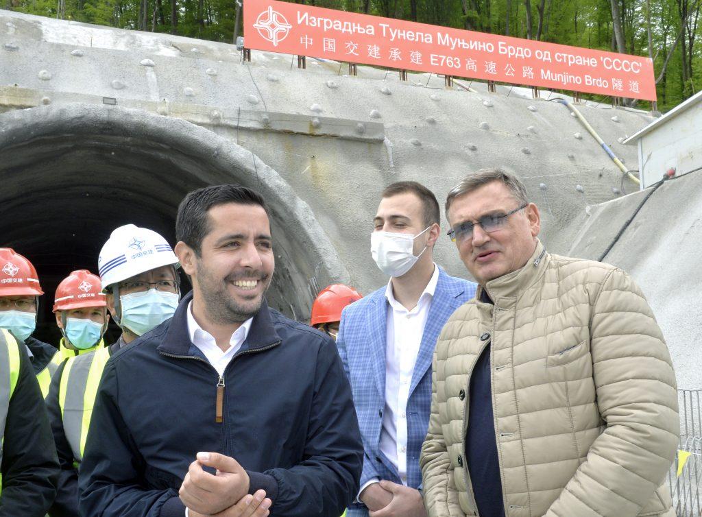 Tomislav Momirovic obisao je danas radove na tunelu Munjino brdo u selu Krstac kod Lucana