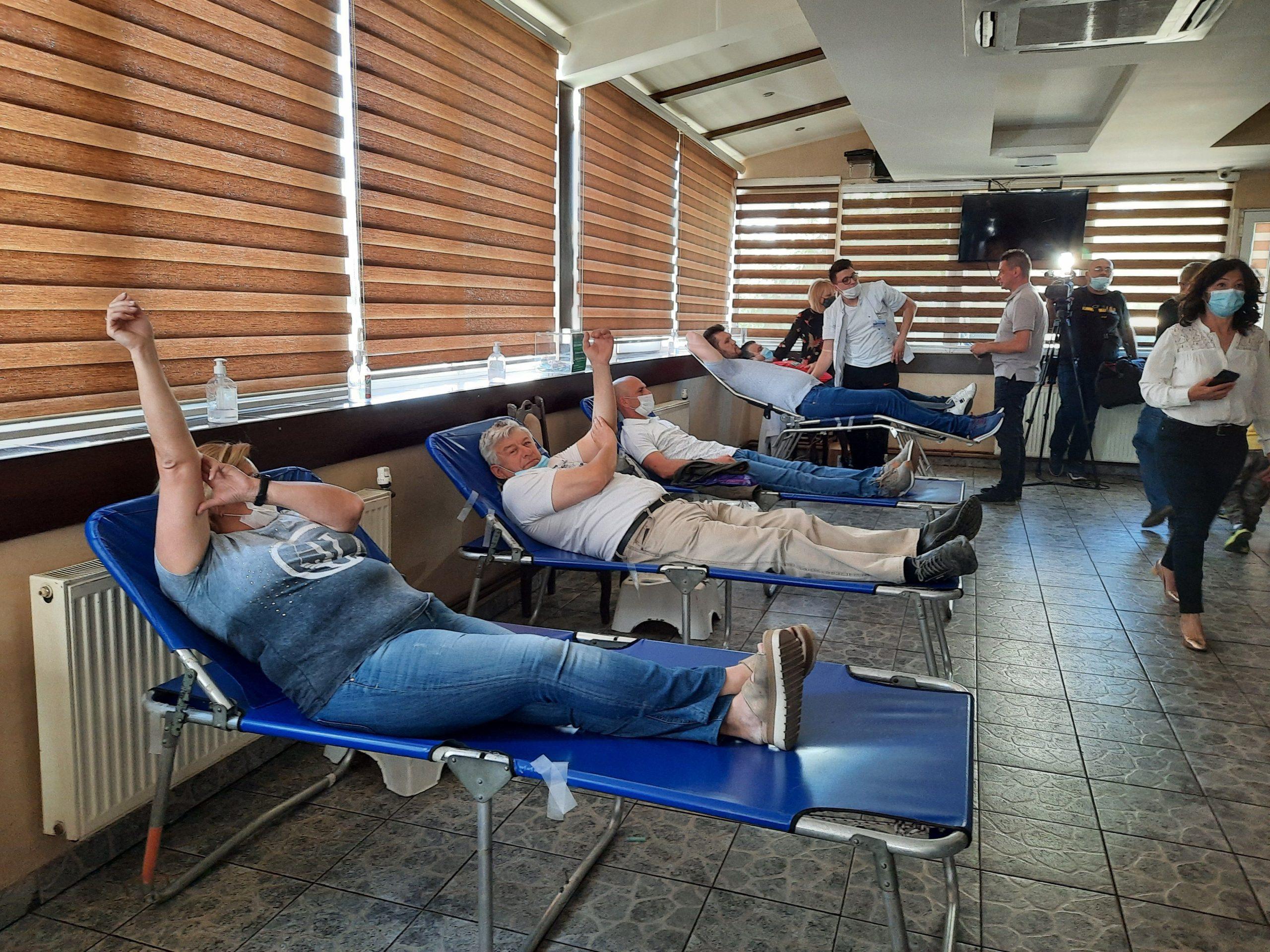 Kragujevac, Vakcinacija i davanje krvi u kafani