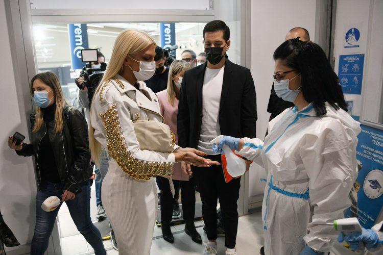 Jelena Karleusa, Vakcinacija Ušće šoping centar