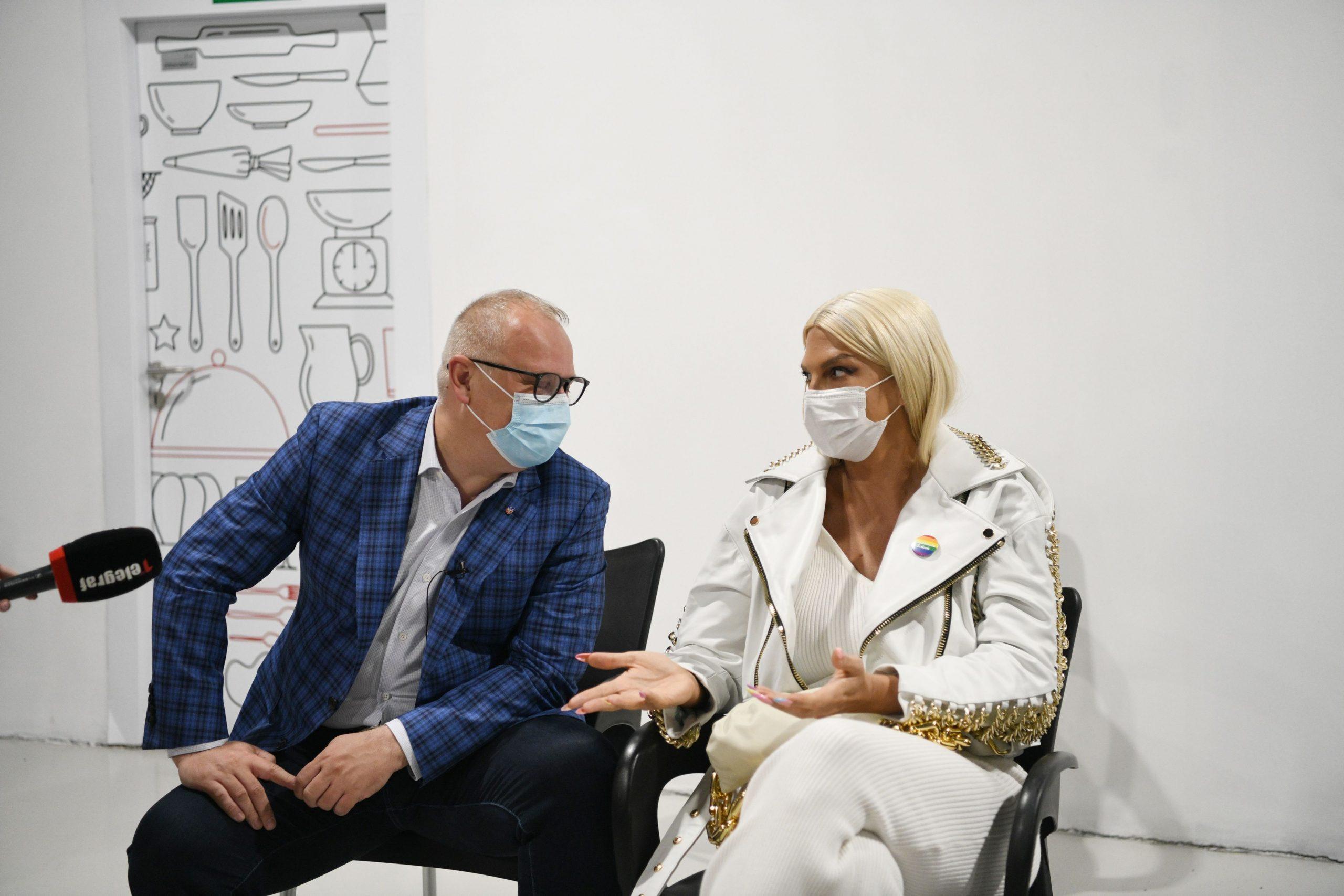 Goran Vesić i Jelena Karleuša, vakcinacija Ušće šoping centar