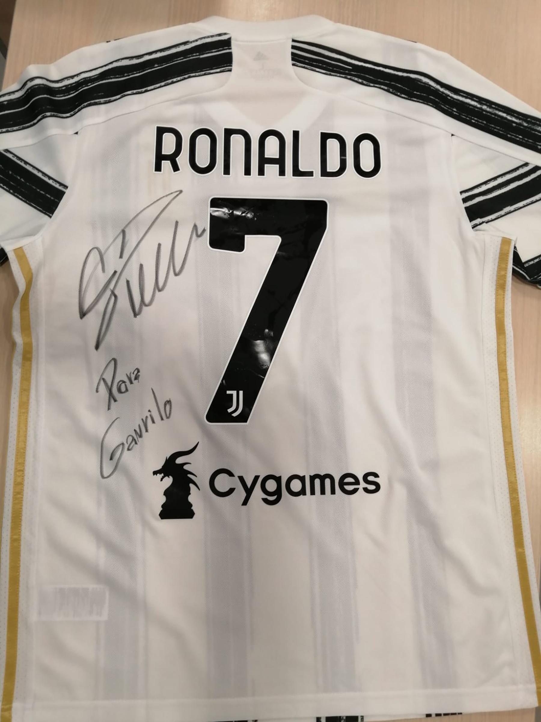 Ronaldov dres za Gavrila