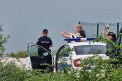 Gružansko jezero: Ronioci tragaju za telom devojke
