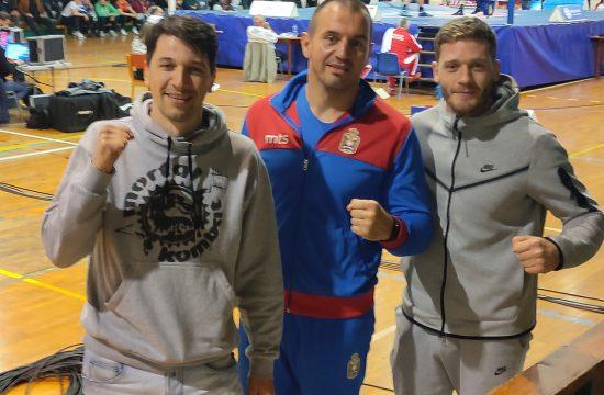 Viktor Savić i Aca Radojičić uz srpske boksere