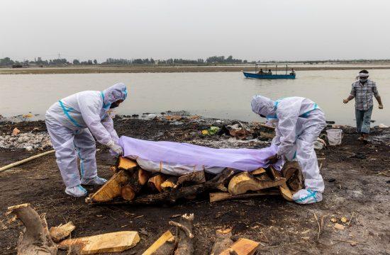 Indija tela preminulih od koronavirusa